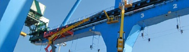e-chain installation in a gantry crane